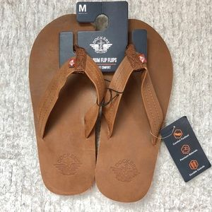 🆕New with tags DOCKERS Premium Mens Flip Flops